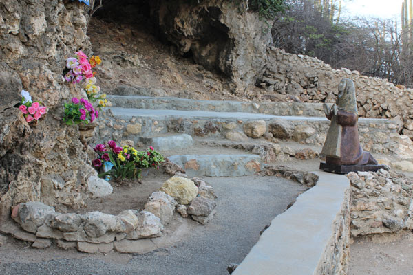 Lourdes grotto in Aruba