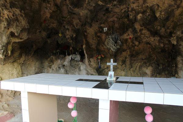 Lourdes grotto in Aruba