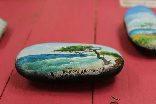 buy-souvenirs-from-aruba
