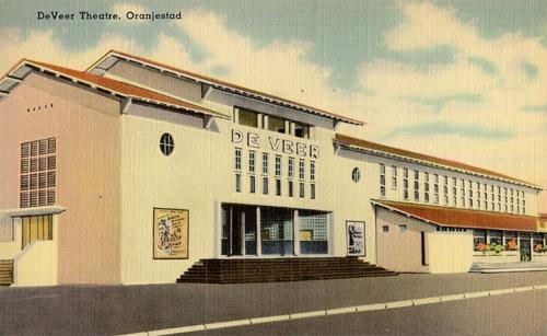 old-movie-theatre-in-Aruba